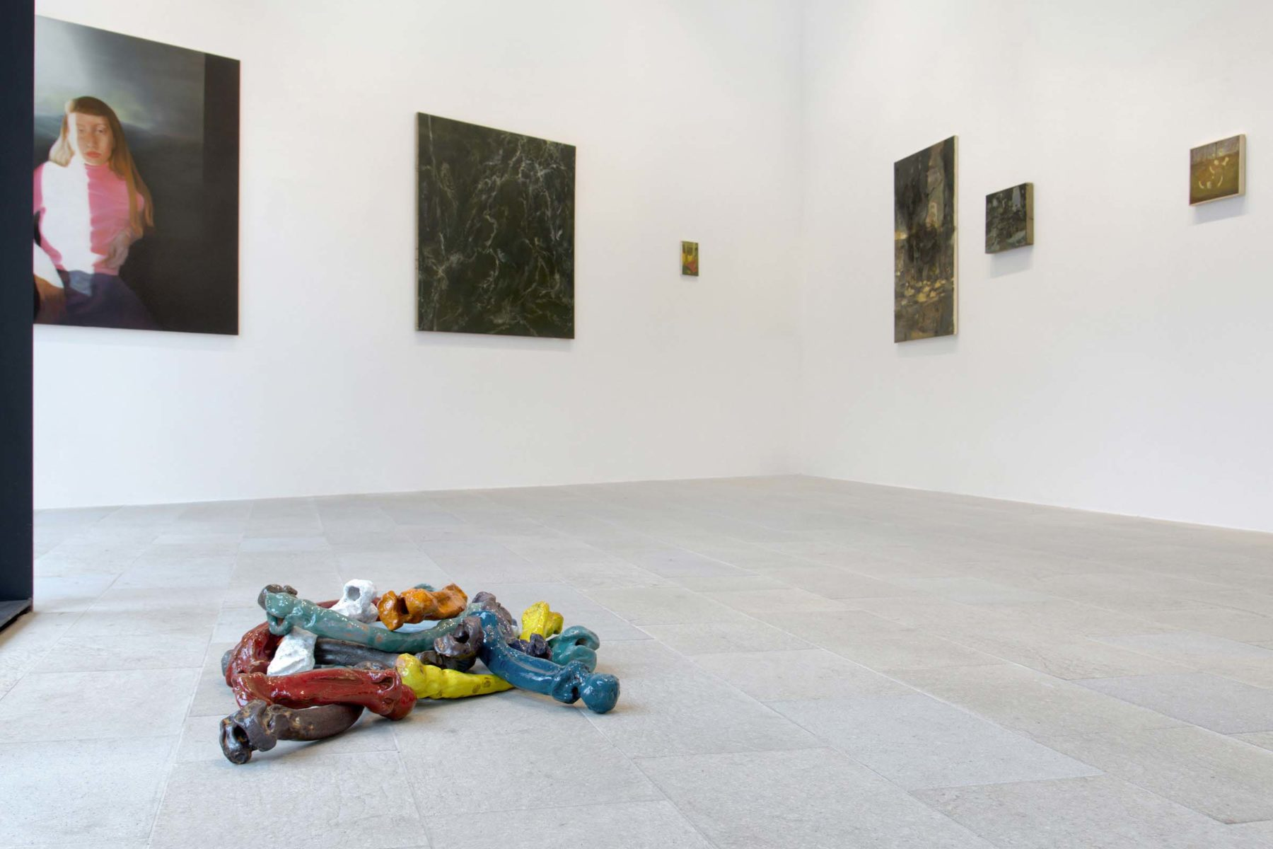 Senza tema, vista della mostra, Galleria Massimodeluca, ph. C. Bettio, Vulcano