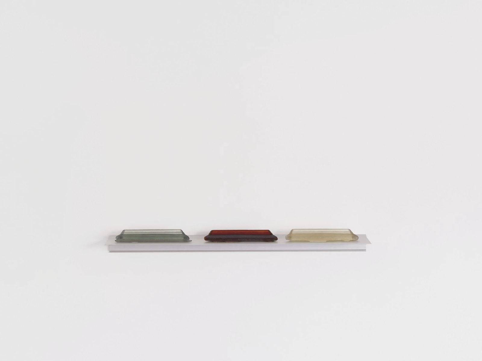 Penzo+Fiore, IlQuartoStato (self-portrait), 2019, Murano glass sculpture, ph. G. Cecchinato