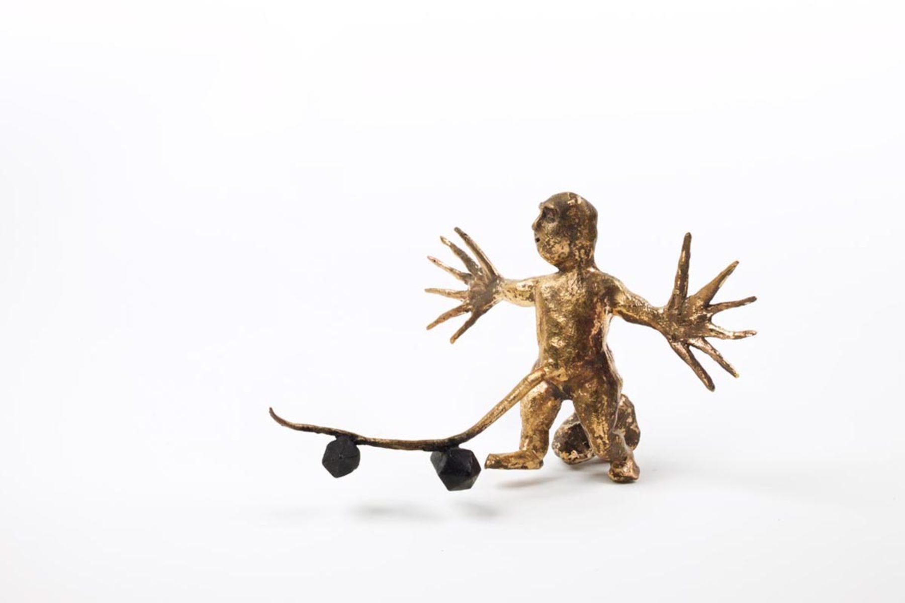 Enzo Cucchi, Lo scopritore del fuoco a 28 anni, 2014, bronzo in copia unica, 15×20×22 cm, ph. F. Covre