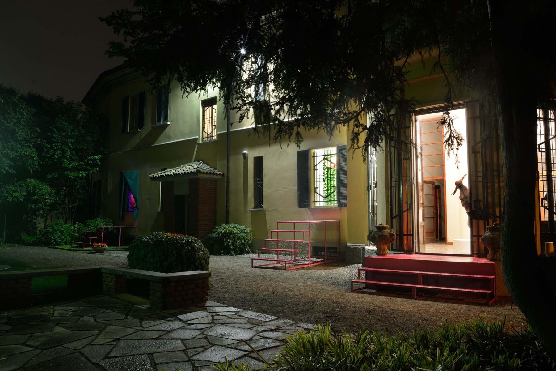 Splendida villa con giardino, exhibition view
