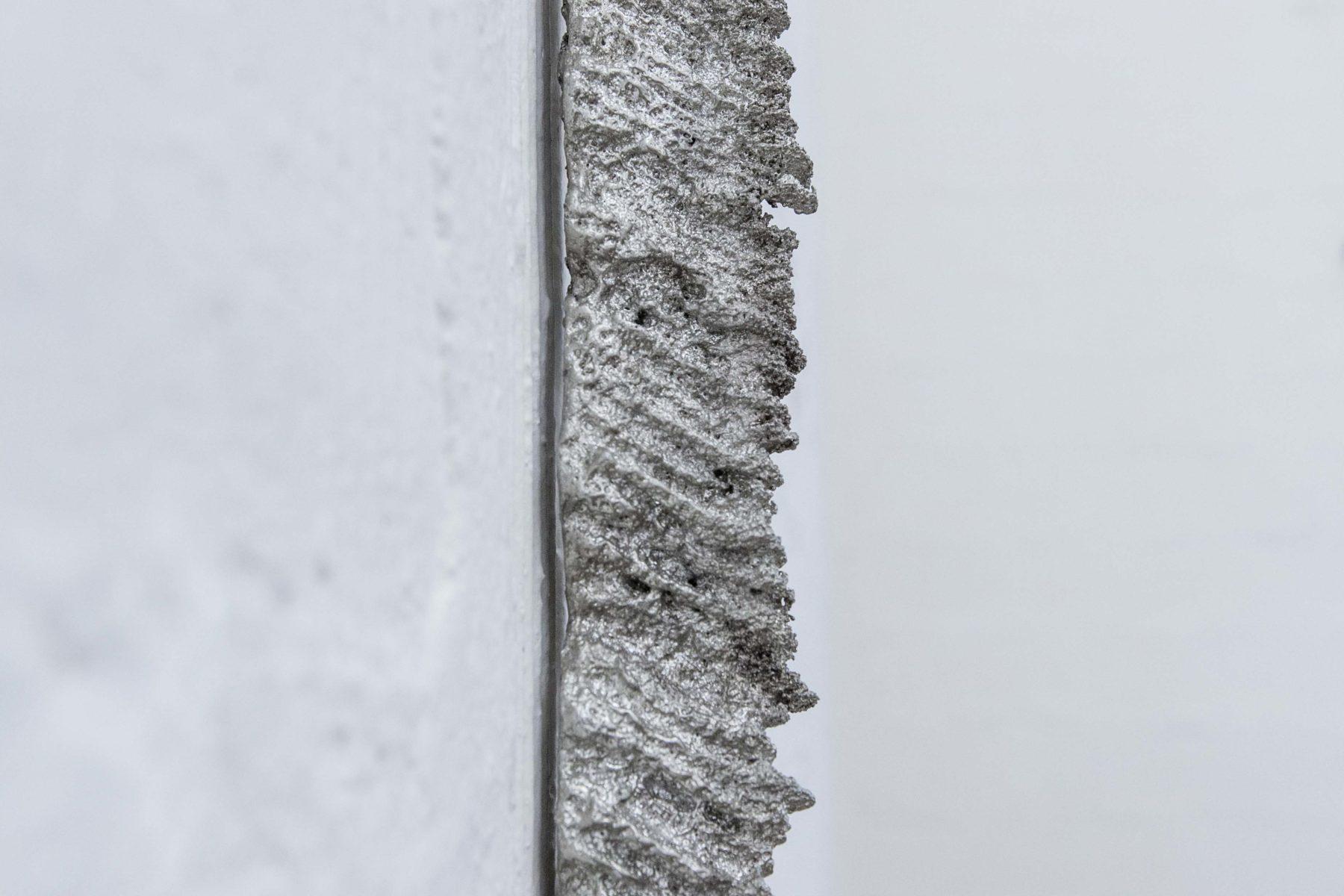 VOID, Au claire de la lune, 2017, tin, 355 x 7 x 4.5 cm