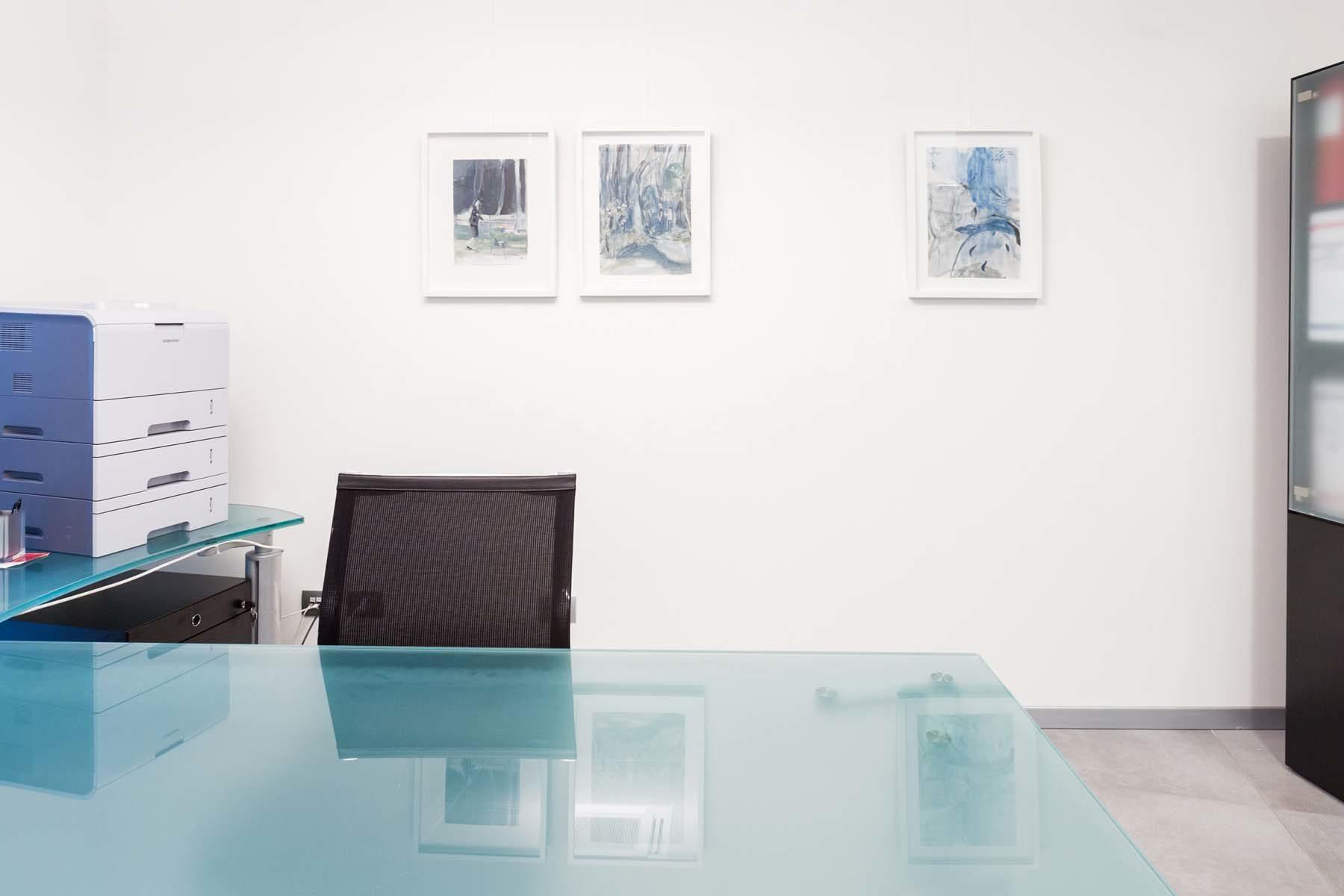 25. Raffaele Santillo, Pitture in attesa, vista della mostra, Ag. Generali, Pordenone, ph. N. Covre