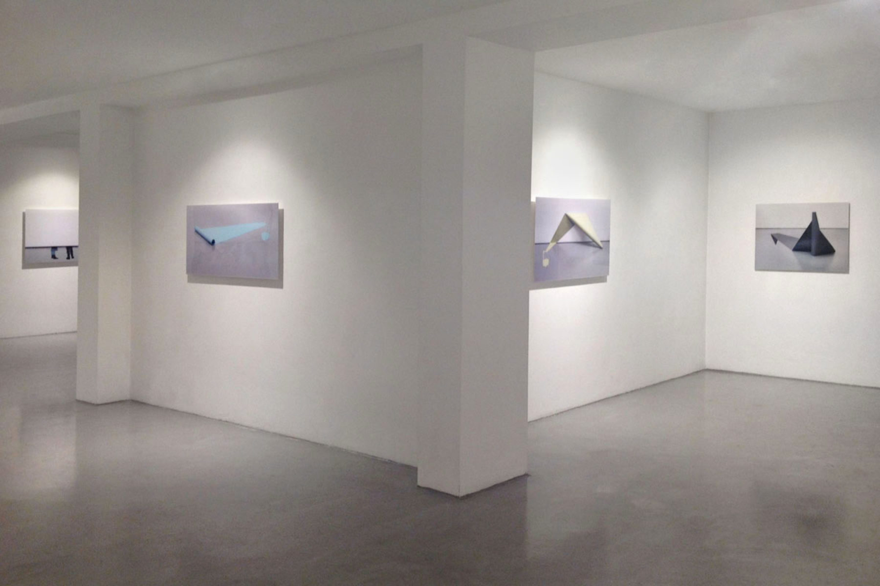 I. Eškinja, Infinity paper, 2013, show view at Deanesi Gallery, 11