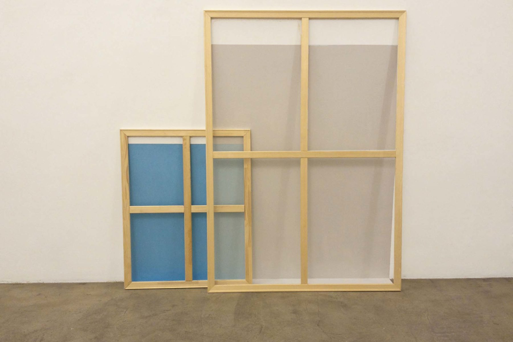 Johanna Binder, Hintermholz3, 2014, acrylic on wall and floor, wood stretchers, 173 x 170 x 21 cm