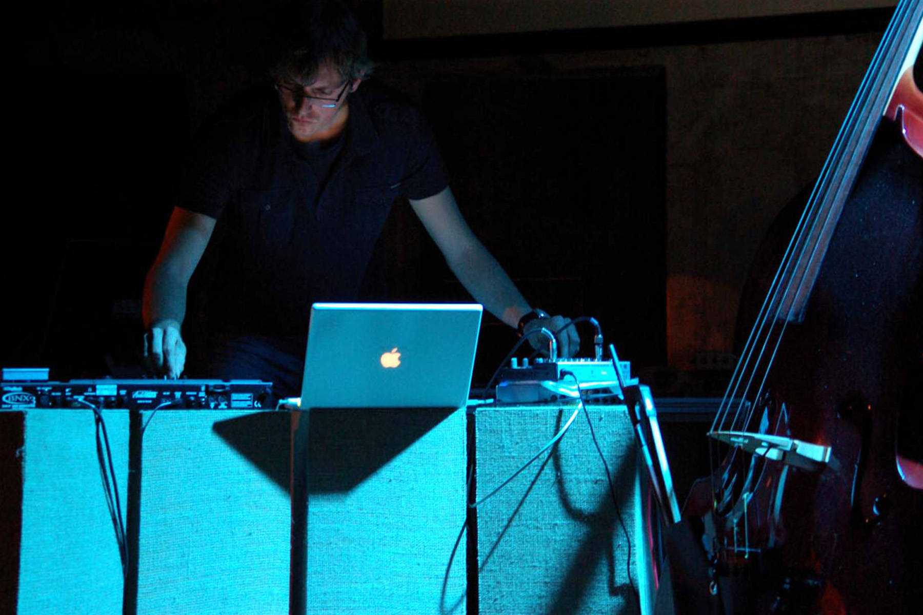 Michele Spanghero, Desmodrone, 2010, performance, Kaunas