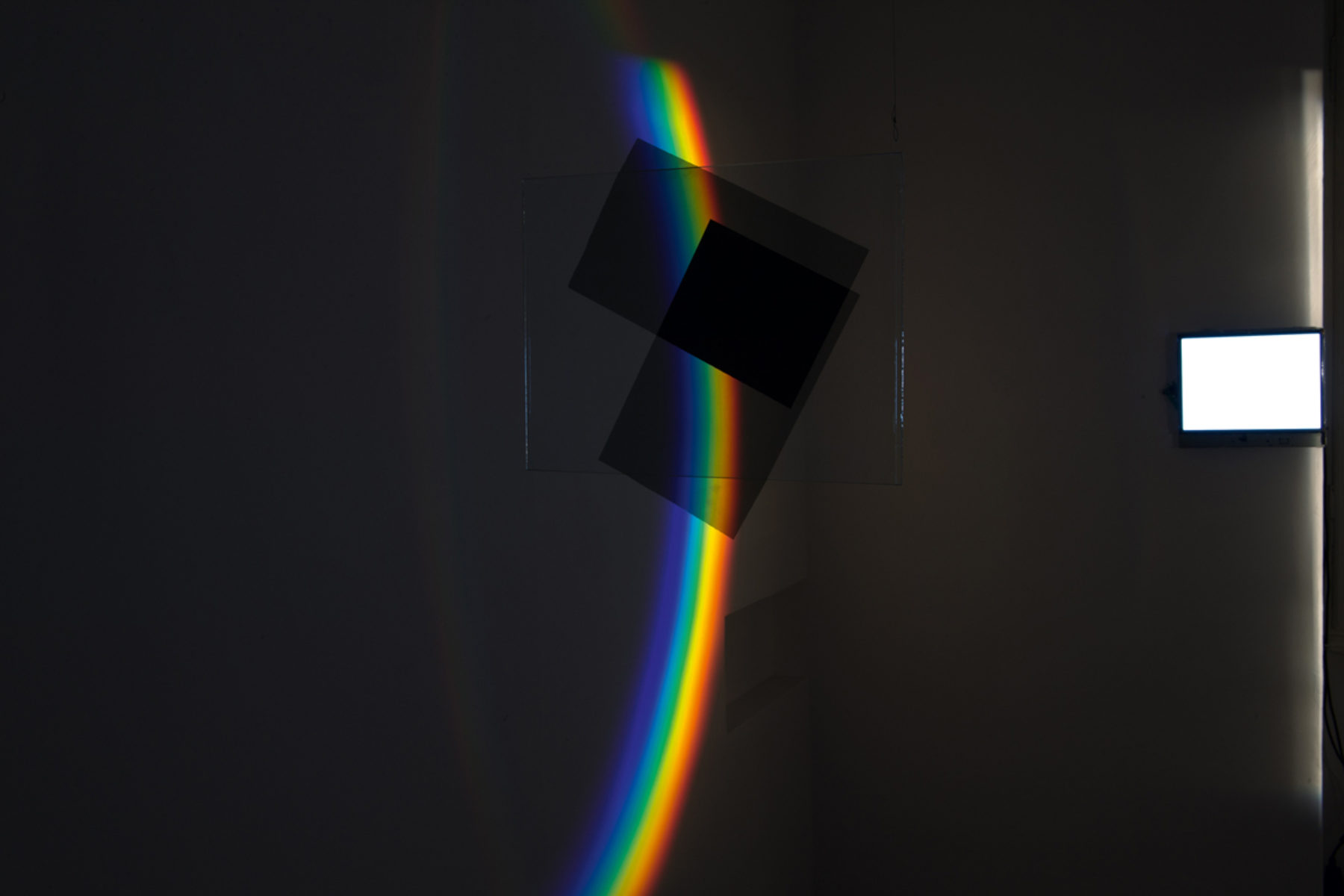 Richard Loskot, Color System, 2012, light, lcd monitor, cristal prisma, computer, polarized films, installation, f